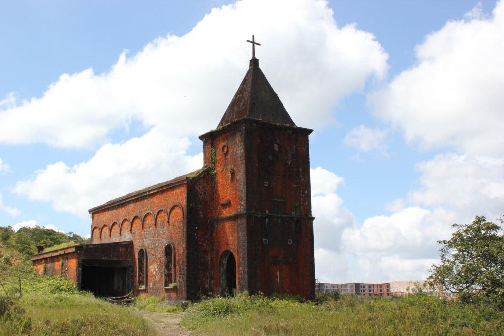 Abandoned Catholic church on Bokor Mountain.